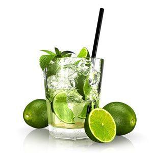 Caipirinha Cocktail Glas mit Limetten